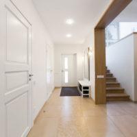 37621 Дизайнерские идеи для отделки стен в прихожей частного дома