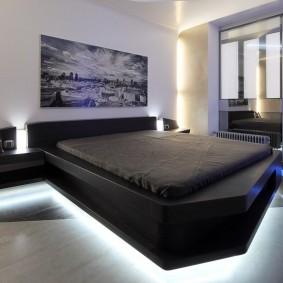 Декоративная подсветка кровати в спальне стиля хай-тек