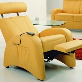 Массажное кресло в двухкомнатной квартире