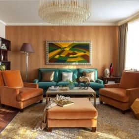 Мягкие кресла в зоне отдыха гостиной комнаты