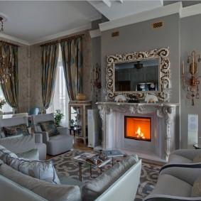Встроенный камин в гостиной классического стиля