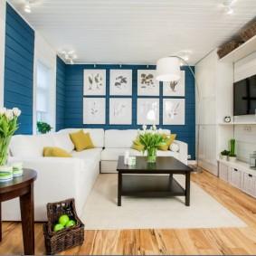 Белая мебель в очень светлой гостиной