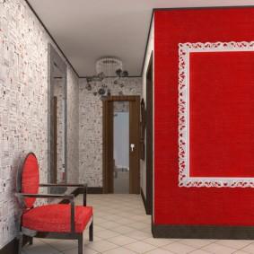 Контрастная отделка стен в прихожей