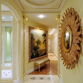 Красивый коридор в частном доме