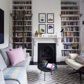 Книжные стеллажи в интерьере гостиной