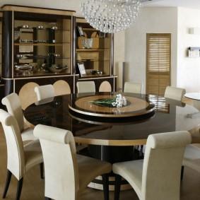 Особенности выбора стола для интерьера гостиных комнат