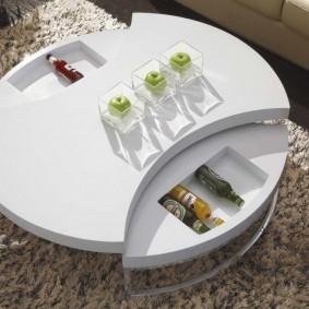 Журнальный столик с баром для вина