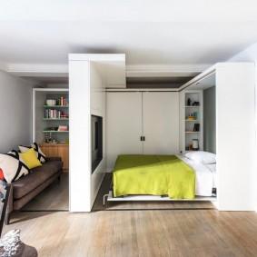 Передвижная перегородка в однокомнатной квартире