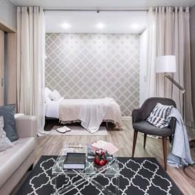 Спальное место в нише стены гостевой комнаты