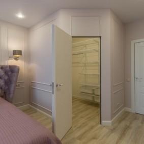 Организация гардеробной в спальной комнате