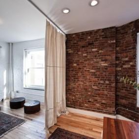 Белая штора в гостиной лофт стиля