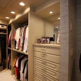 гардеробная комната 4 кв м интерьер