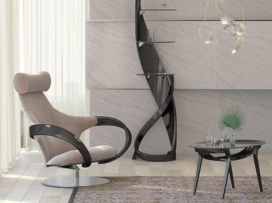 Модное кресло с ластиковыми подлокотниками