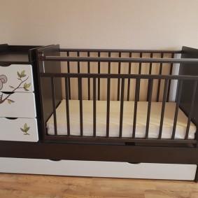 кроватка с пеленальным столиком идеи дизайн