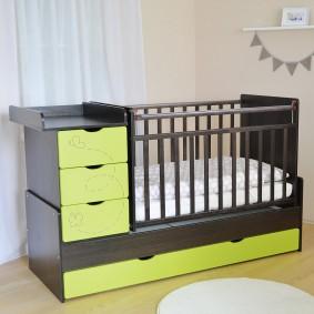 кроватка с пеленальным столиком идеи декор