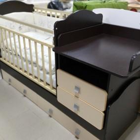 кроватка с пеленальным столиком идеи декора