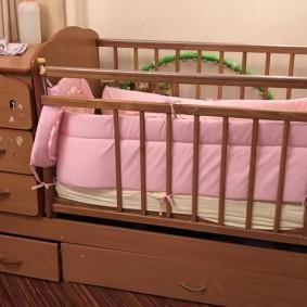 кроватка с пеленальным столиком виды дизайна