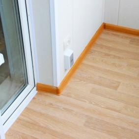 отделка балкона ламинатом фото дизайн