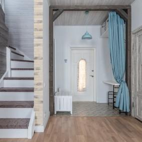 отделка стен прихожей в частном доме варианты идеи