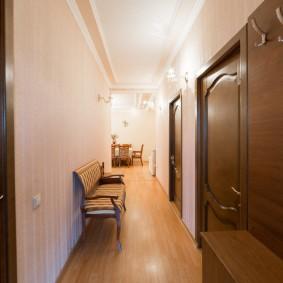 отделка стен прихожей в частном доме обзор