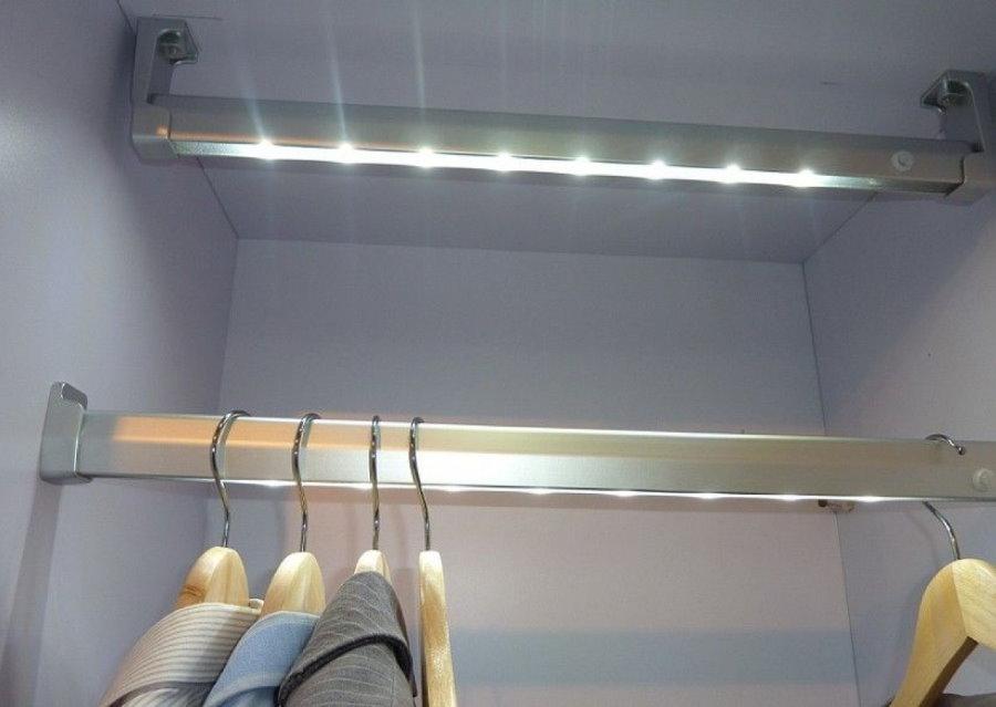 Подсветка внутреннего пространства шкафа для одежды