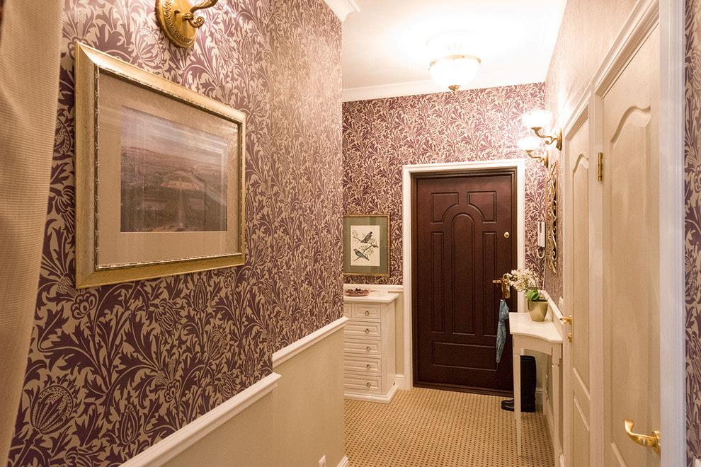 Оклейка стен коридора виниловыми обоями