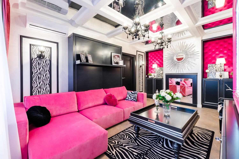 розовый цвет в интрьере гостиной