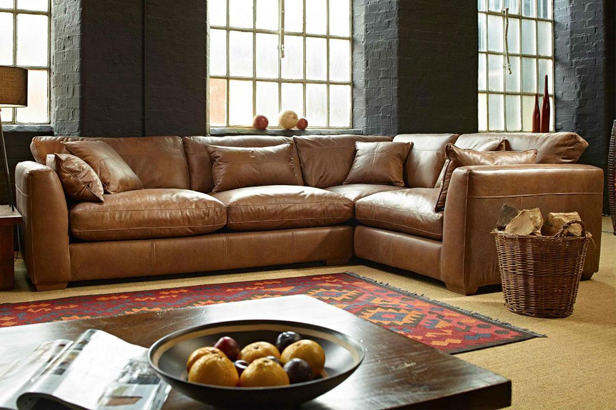 диван в гостиную кожаный