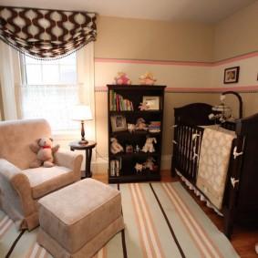 Небольшая комната для мамы и новорожденного