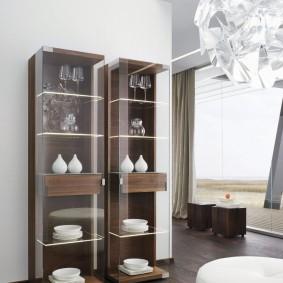 Витрина-пенал с боковыми стенками из стекла