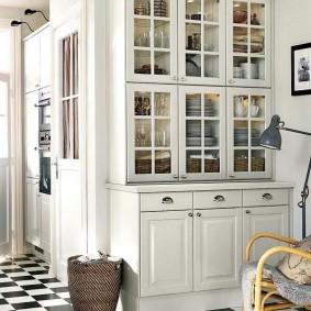 Мебель для размещения посуды в комнате скандинавского стиля