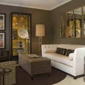 Раскладной диван белого цвета