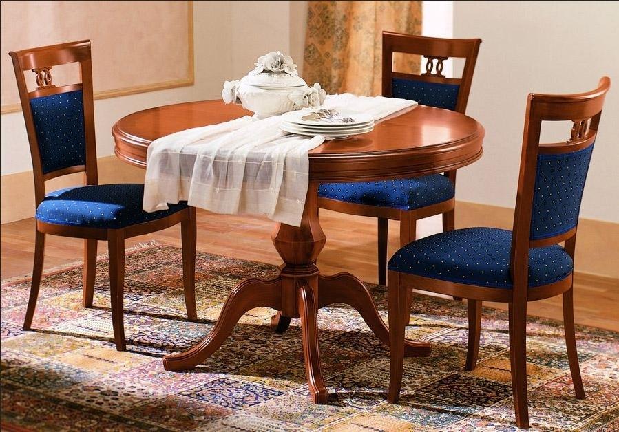 стол и стулья для гостиной классика