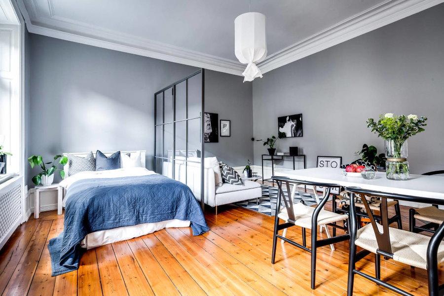 Деревянный пол в однокомнатной квартире скандинавского стиля