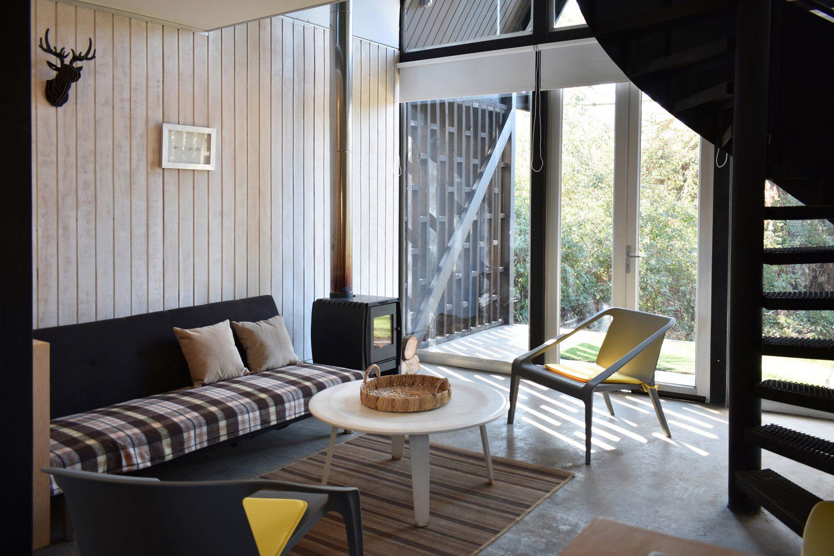 Дизайн гостиной на даче