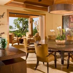 Принципы выбора дизайна столов и стульев в интерьер гостиных комнат
