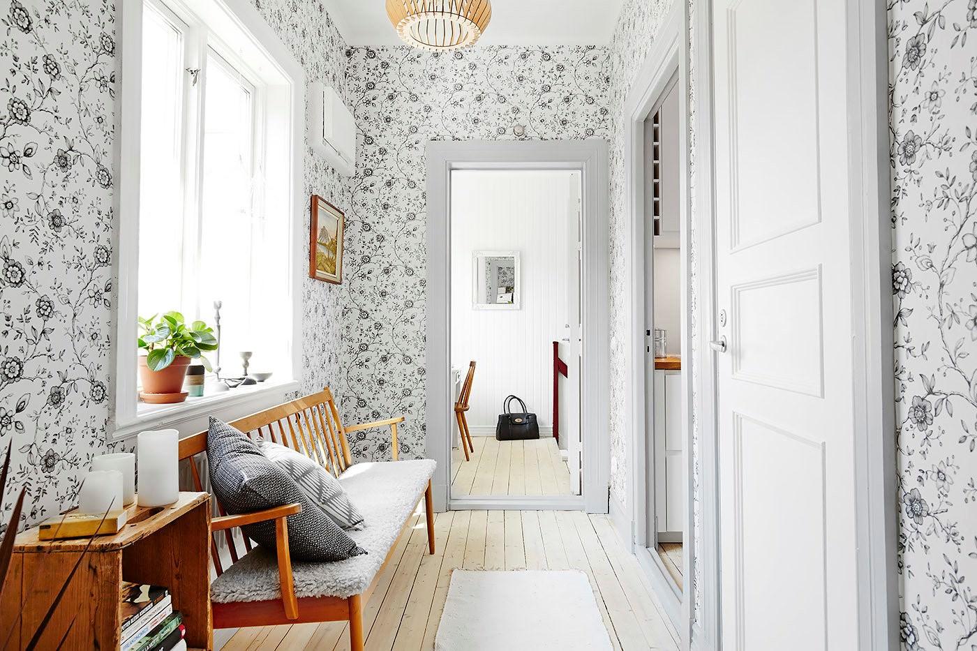 41206 Варианты выбора обоев и оклейки стен в прихожих комнатах
