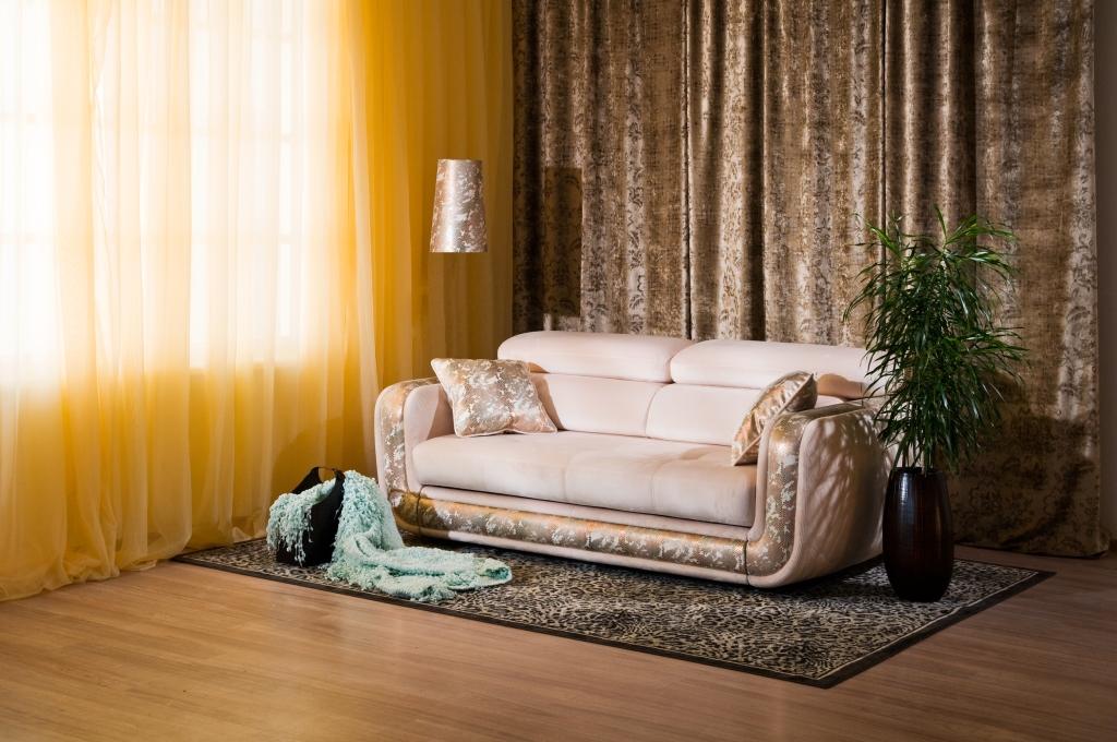 велюровый диван в гостиную