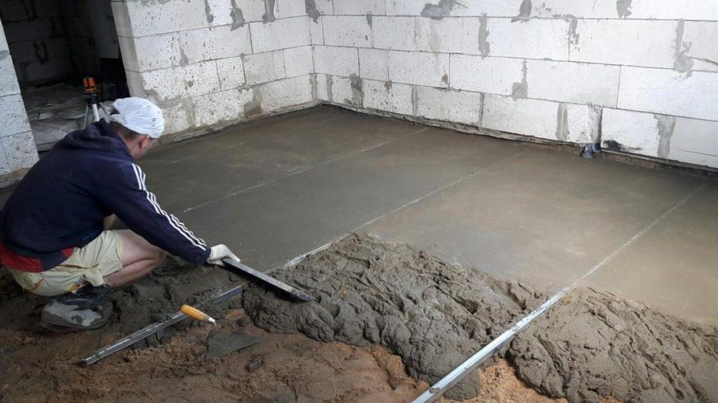 Выравнивание бетонного и деревянного пола с помощью стяжек и плит OSB