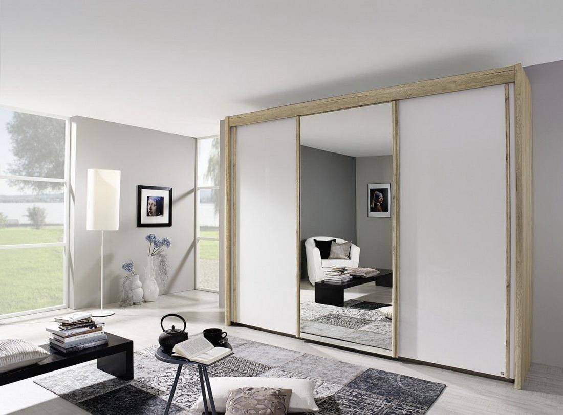 гостиная с зеркальным шкафом