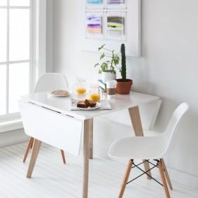 стол книжка в гостиной дизайн идеи