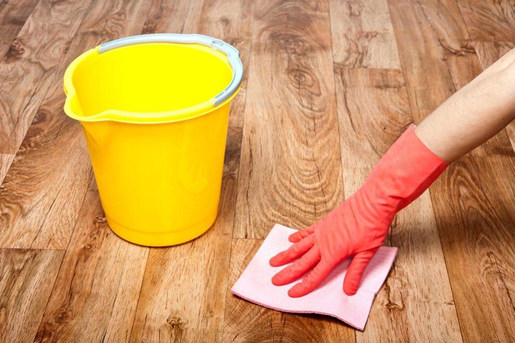 43976 Как очистить линолеум от следов ремонта