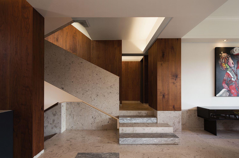 лестница на второй этаж в доме