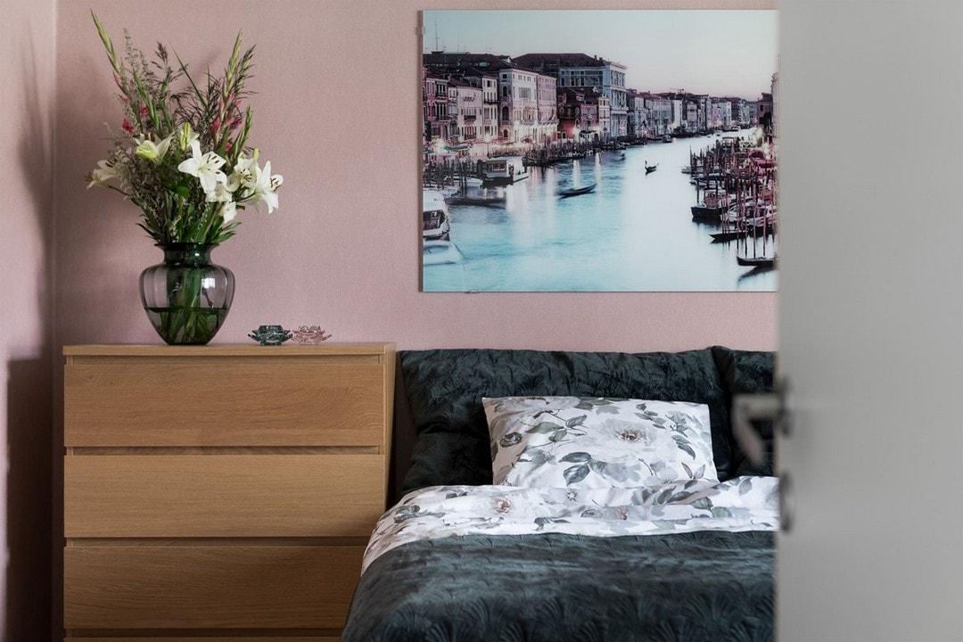 дизайн спальни для молодой пары