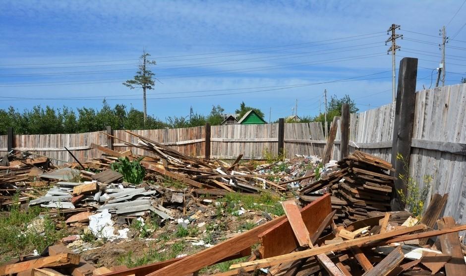 Что делать, если соседний дачный участок превратился в свалку
