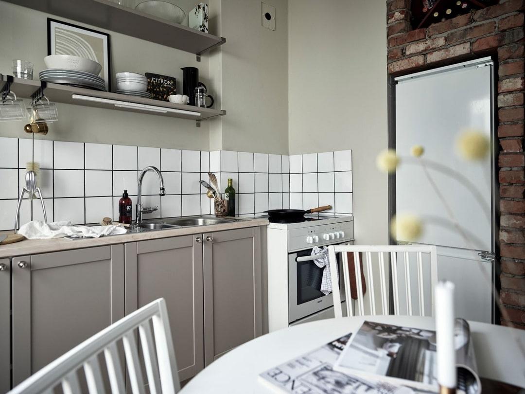 дизайн кухни у окна