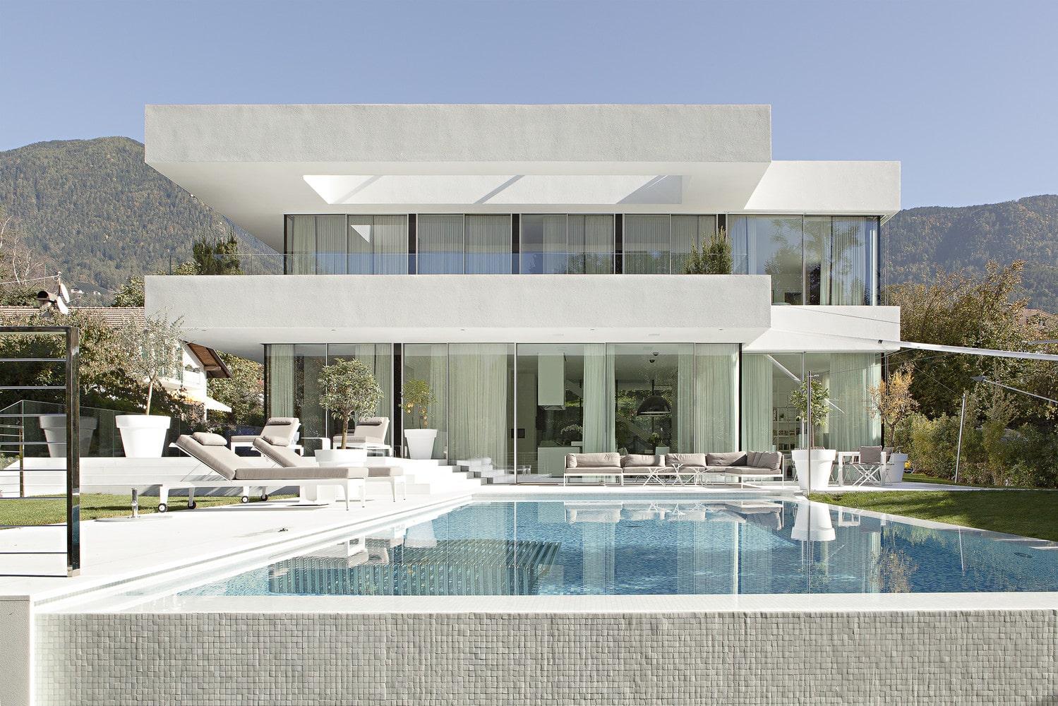 House M от архитекторов студии The Monovolume Architecture + Design в Мерано