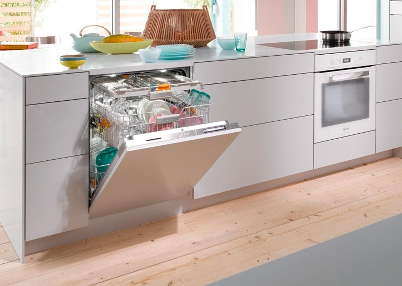Встраиваемая посудомоечная машина: как выбрать, установить, эксплуатировать
